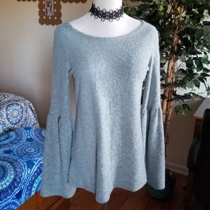 Beautiful Andree' bell sleeve top S/M